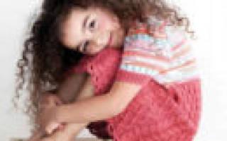 Жакеты, вязаные спицами: схемы с описанием для женщин и для девочек