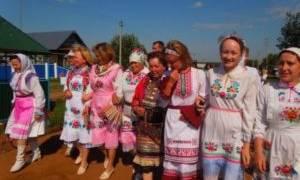 Национальный костюм марийцев