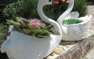 Поделки из пластиковых бутылок для сада: цветы, лебеди и другие животные