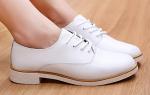 С чем носить белые ботинки